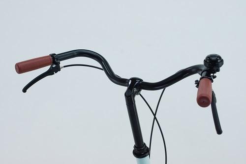 運転がしやすいカモメ型ハンドル